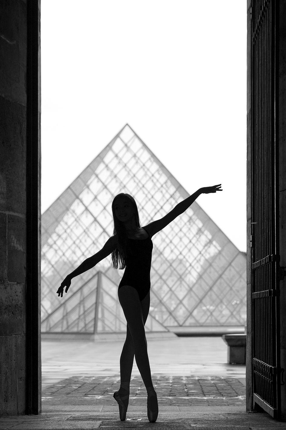 Bruno Barbero Grace & Beauty Ballet Dancers