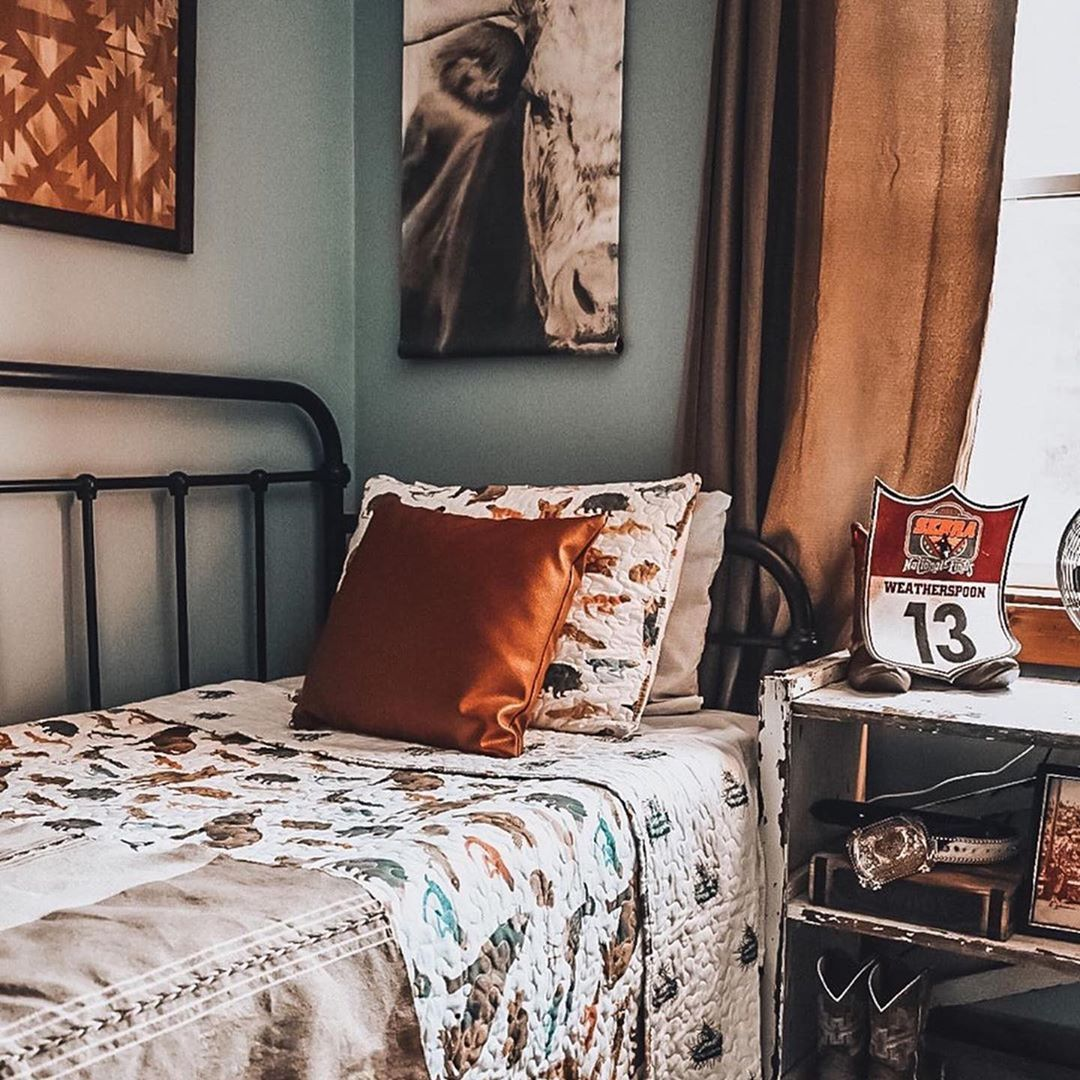 Pin by Brianna Mooney on Bedroom ideas in 2020 | Cowboy ...