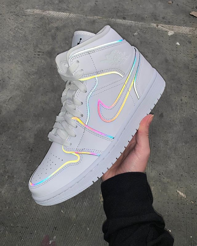 Nike AJ1 Mid Xeno Reflective   Relooking de chaussures, Chaussure ...
