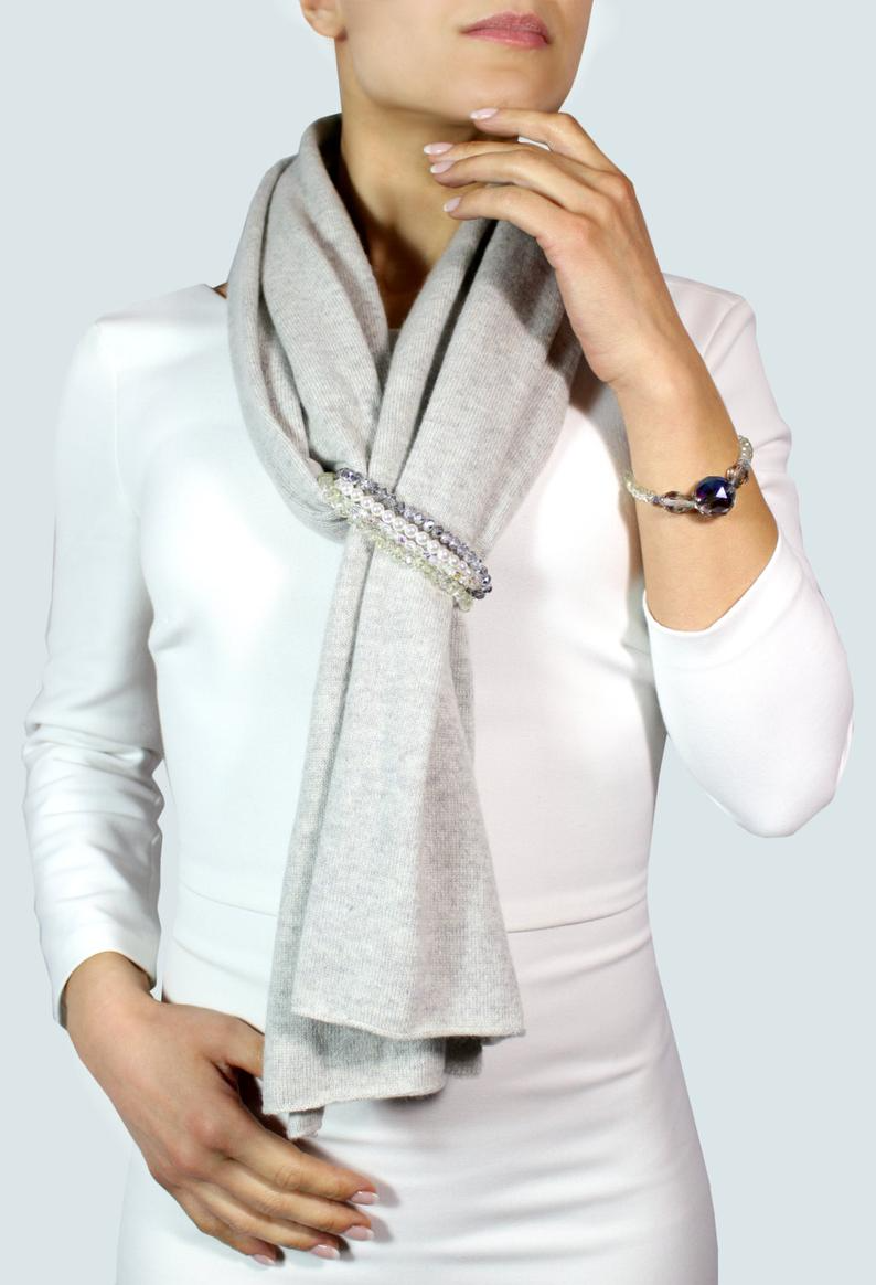 100% Cashmere scarf with jewelry - Made in Italy