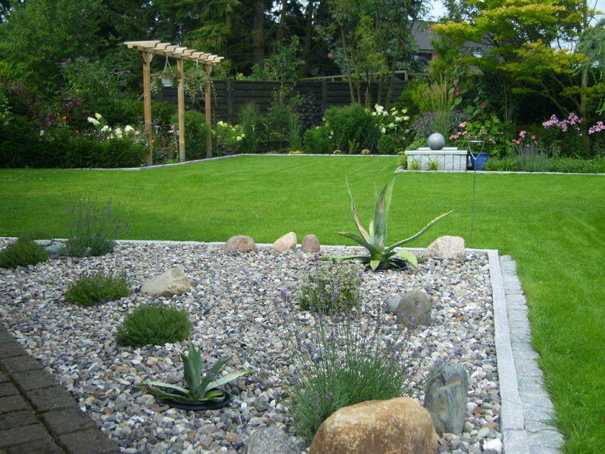 Kiesbeet An Der Terrasse Gartenumgestaltung Garten Kiesbeet