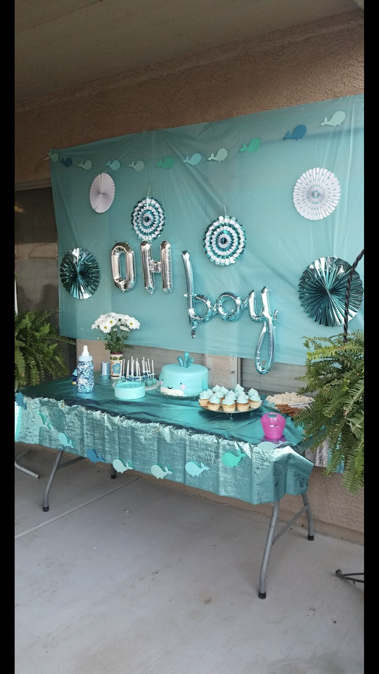 Super simple whale themed baby shower.