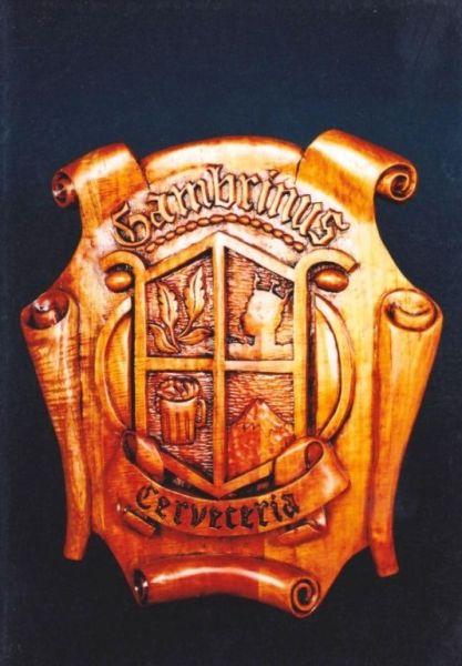 escudo de orizaba , tallado en cedro