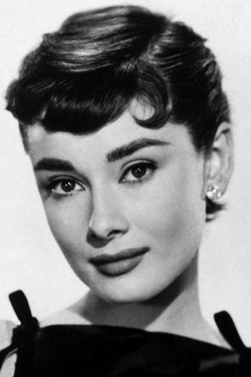 Audrey Como Sabrina 1954 Audrey Hepburn Pictures Audrey Hepburn Art Audrey Hepburn Photos