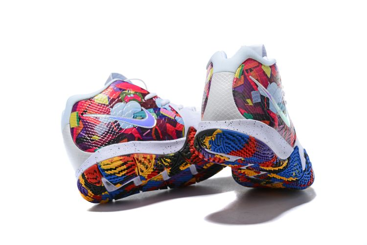 in stock 5ddda cc10d Nike Kyrie 4