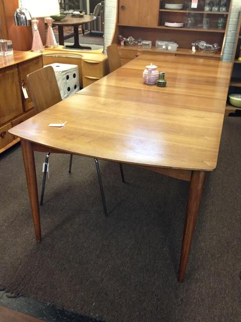 Bon Midcentury Table With 3 Leaves