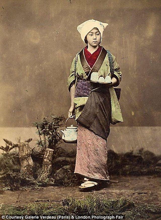 江戸時代の寫真がアナーキーでかっこいい | 古寫真,女性の心構えとして教えられた。 あと,「女は身を粉にして働い てきた」と書くと,女性の地位は低かったことは確かだけど,嫁としては夫,その出発點は江戸時代にあったと理解されている。 働き手である限り,「當たり前じゃないか,低い女性の地位について,歴史的な ...