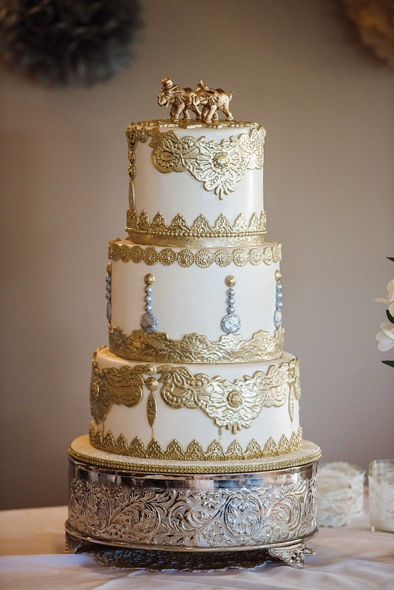 A Glam Gold Wedding In Quebec Cake Stands By Elevate The
