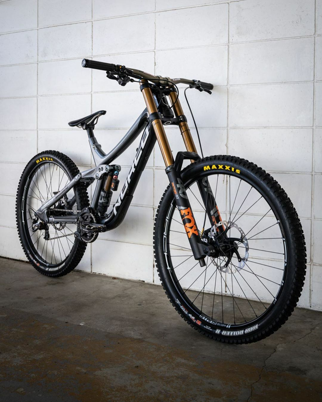 Pin De Simon Somsom En Bicycle Mountain Bike En 2020 Bicicletas