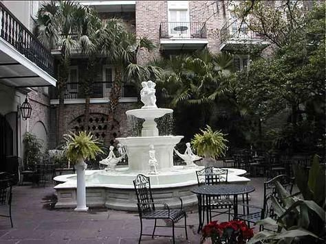 Courtyard Of Maison Dupuy Hotel New Orleans