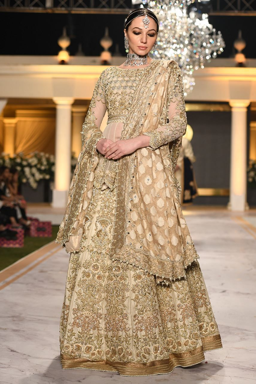 Pakistani Short Peplum Lehnga for Wedding J4326 in 2020