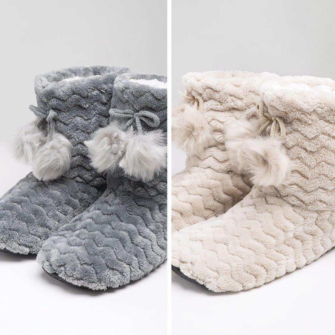 Photo of Fuori fa freddo, in casa indossa le nostre pantofole!  _________________________…