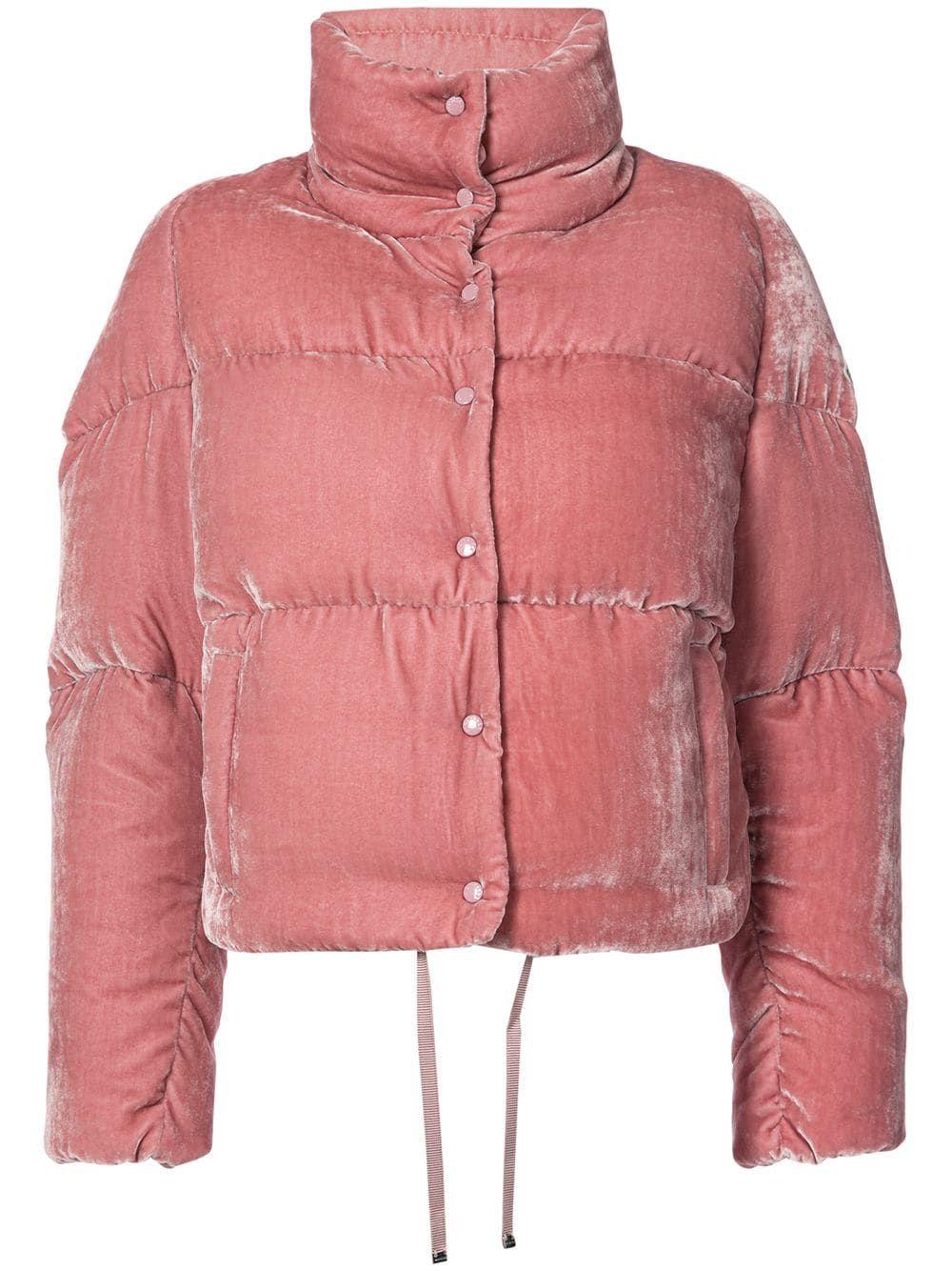 07a03a1c Moncler укороченная бархатная куртка-пуховик | Куртка in 2019 ...