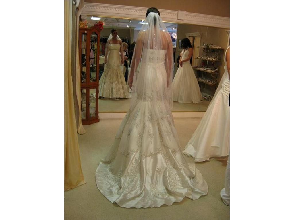 Stephen Yearick: buy this dress for a fraction of the salon price on PreOwnedWeddingDresses.com