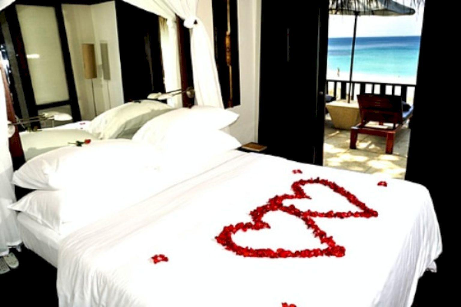 Master bedroom designs as per vastu   Romantic Bedroom for Couple  Romantic Decor Ideas Bedroom