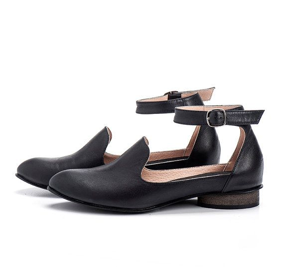 Black Leather Shoes / Leather Flats / Women by EllenRubenBagsShoes