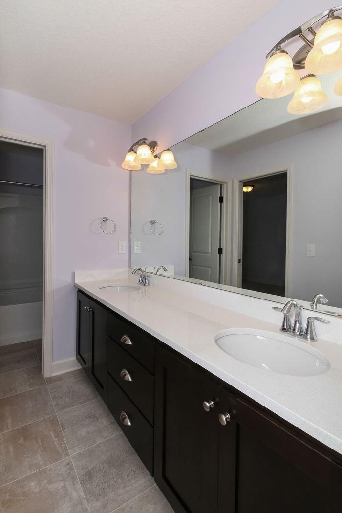 Bath With Double Vanity Double Vanity Vanity Bathroom Vanity