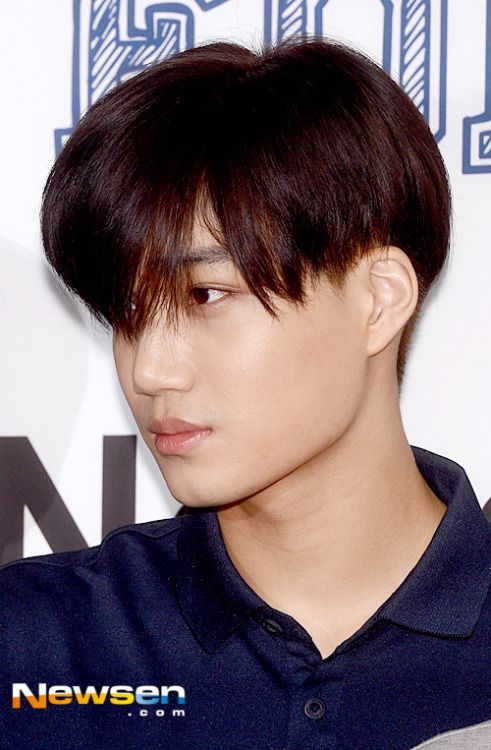 Kai - 150515 Kolon Sport 'Pray For Nepal' Flea Market Credit: 뉴스엔/Newsen. (코오롱스포츠 네팔 기부 바자회)