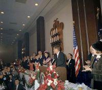 Presidente Kennedy hablando en la Camara de Comercio
