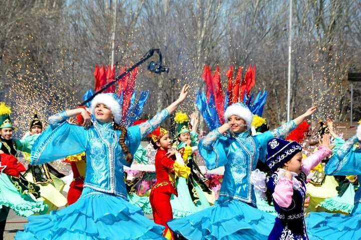 KIRGIZiSTAN'da Baharın müjdecisi  Nevruz - Yenigün Bayramı