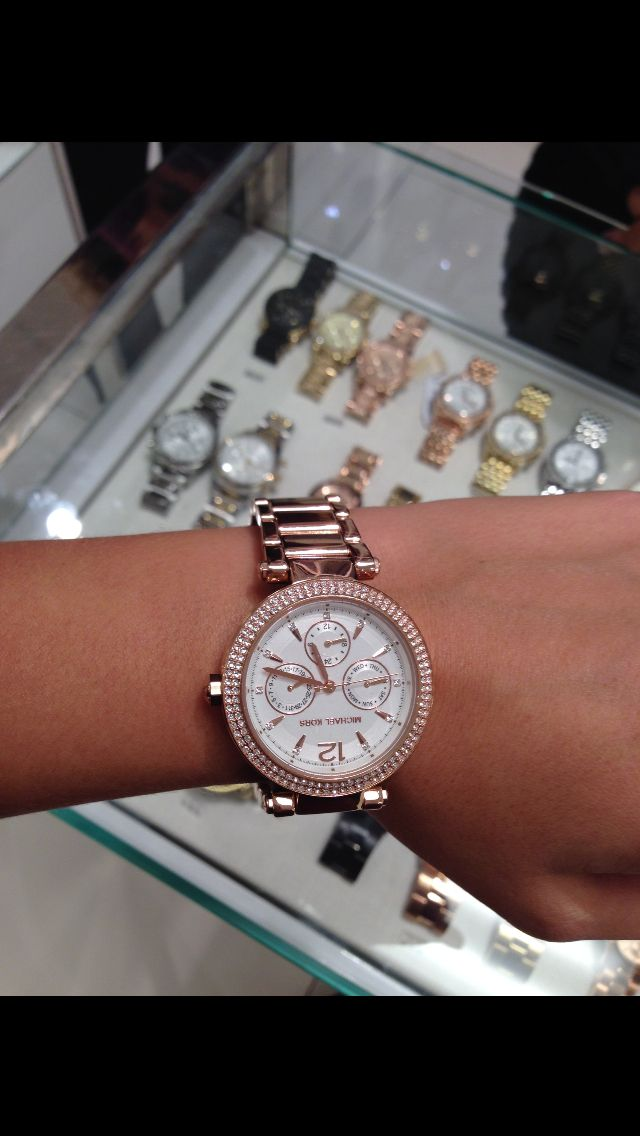 Michael Kors- Parker watch in rose gold.
