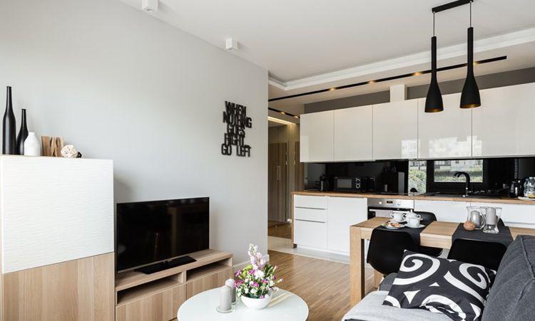 20 qm wohnzimmer mit essplatz und einzeilige küche in schwarz weiß - wohnzimmer schwarz wei