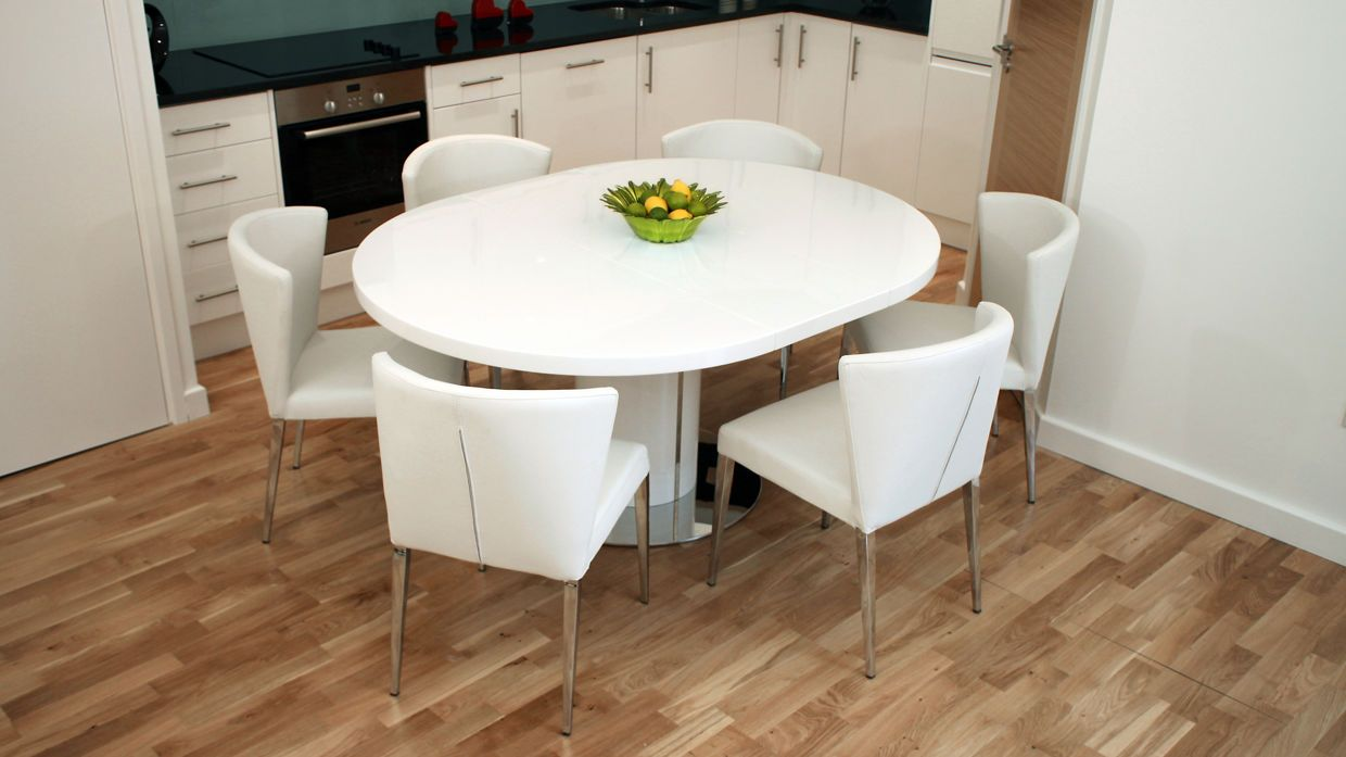 Curva White Gloss Extending Dining Set 975 00 Round Kitchen Table