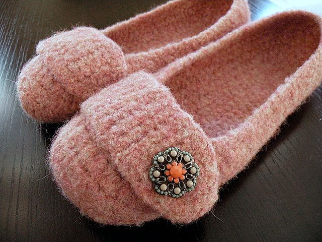 Felted Crochet Slippers pattern by Bonny Woods | Stays, Ravelry and ...