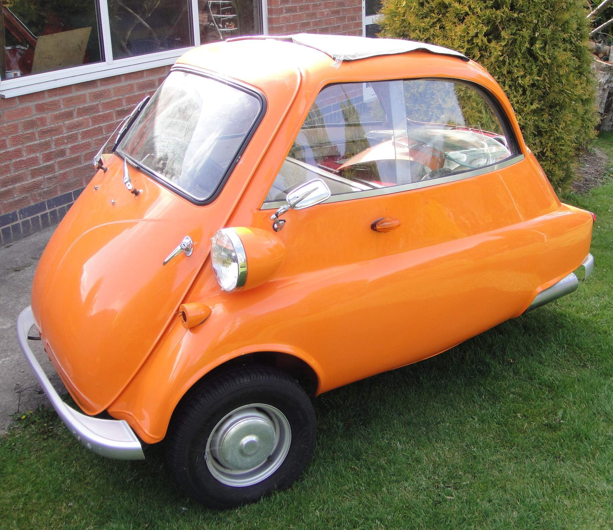 Isetta Replica With 500cc Kawasaki Engine