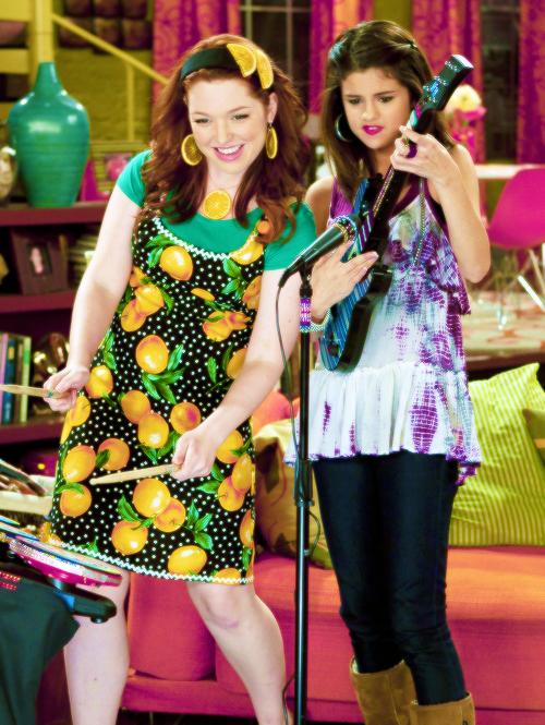 Wizards Of Waverly Place Season 3 Pics Celebz4eva Wordpress Com Liked On Polyvore Selena Gomez Selena Gomez Hd Wallpapers Selena Gomez Pictures