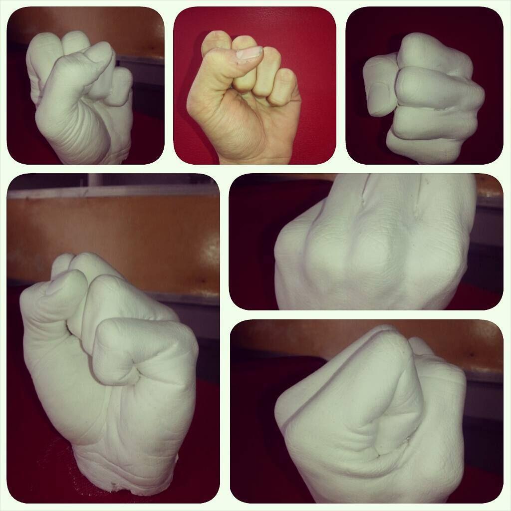 Reproducción en yeso de mi puño #moldedealginato #yeso #puño #detalles