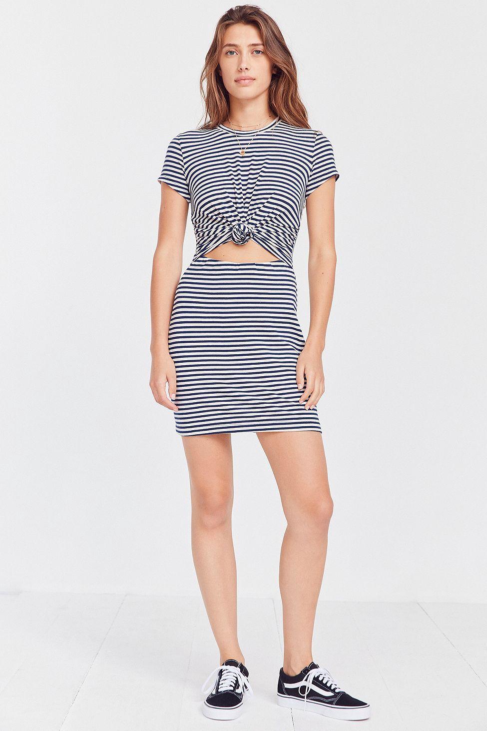 60ac2de68a7 Urban Outfitters Silence + Noise Knotted T-Shirt Dress - XL