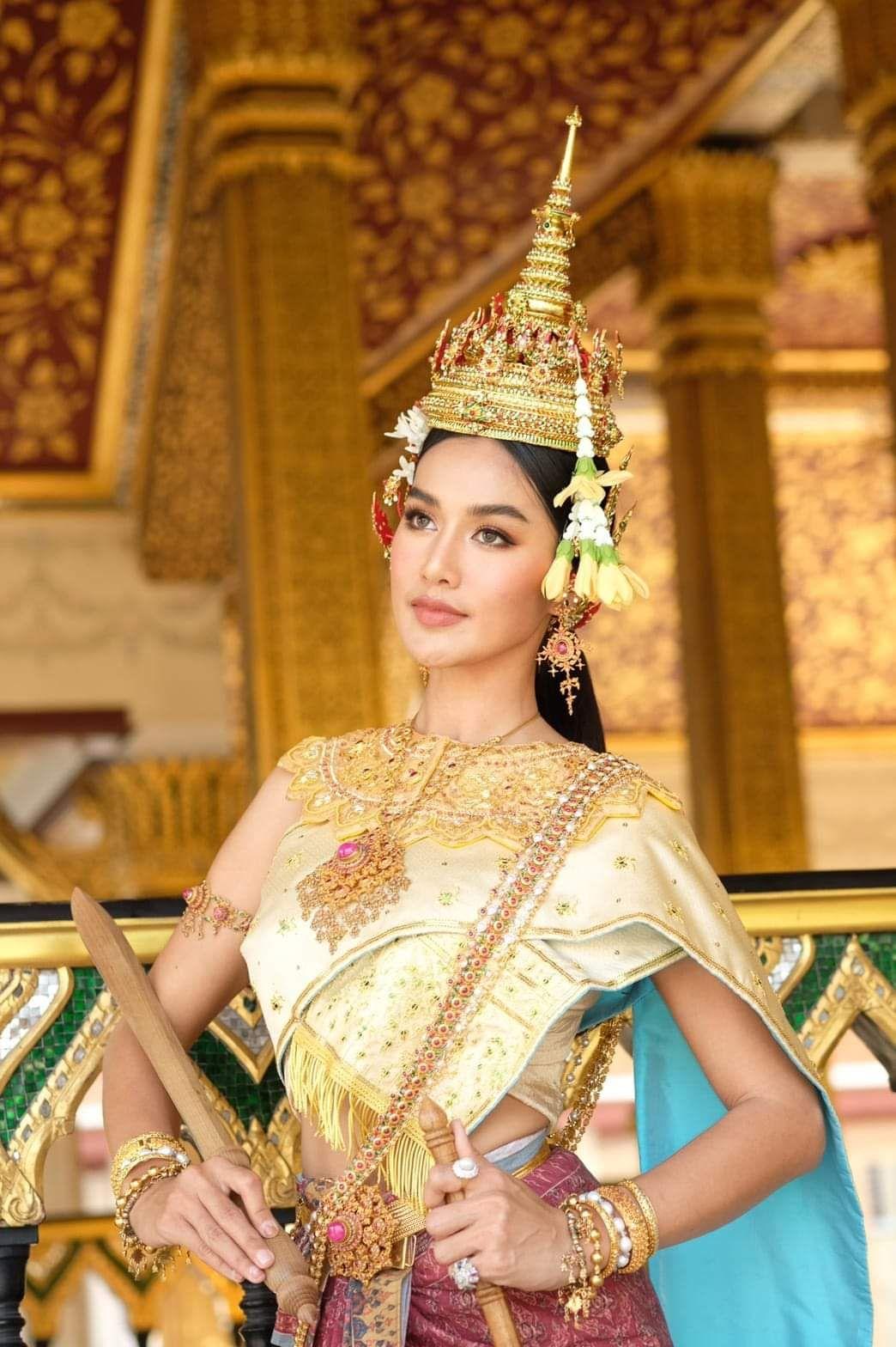 ปักพินในบอร์ด Songkran festival, Thailand