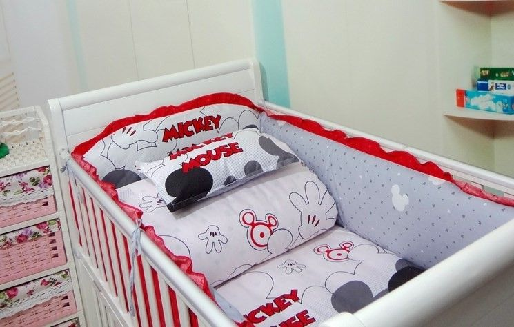 promotion mickey mouse 3 7 pcs linge de lit b b bedding ensembles b b fille bedding set. Black Bedroom Furniture Sets. Home Design Ideas