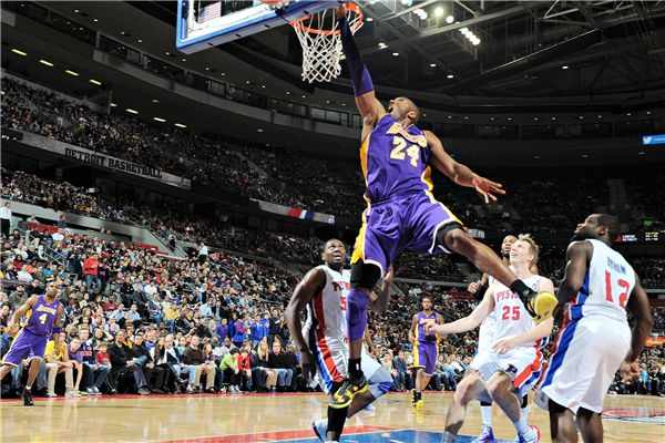 best website d01ee 3dfaa Custom Canvas Art Kobe Bryant Poster Slam Dunk Sticker Lakers Mural NBA  Basketball Wallpaper Kids Wall