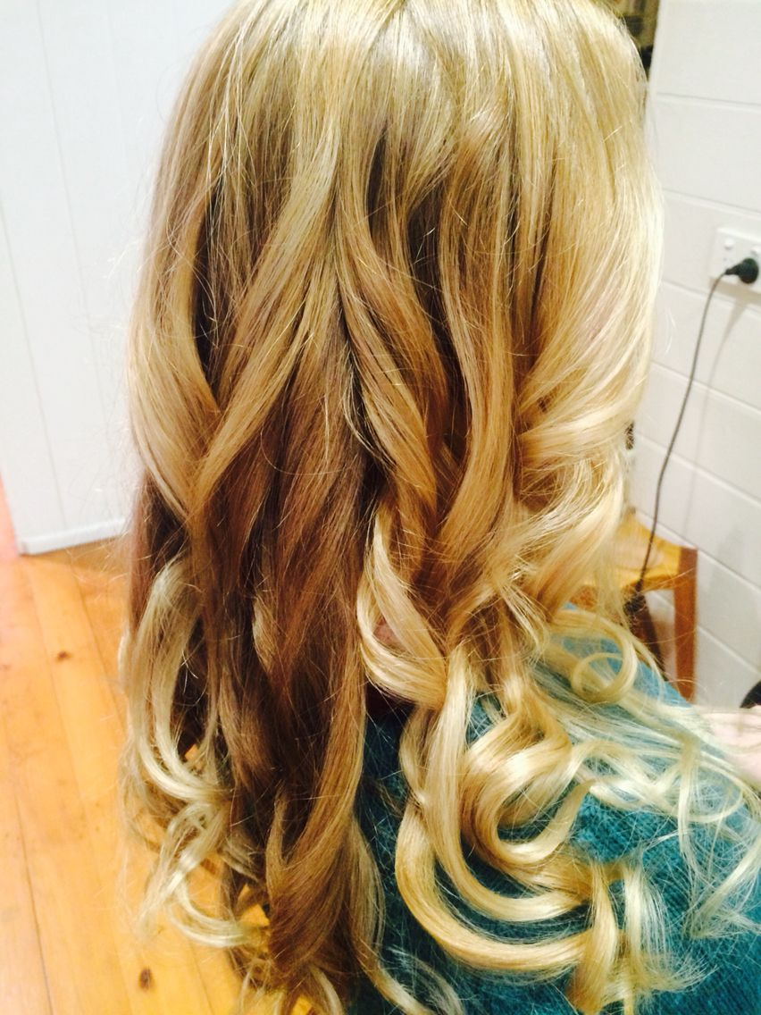 Beautiful ombré and balayage blonde blondehaircolour