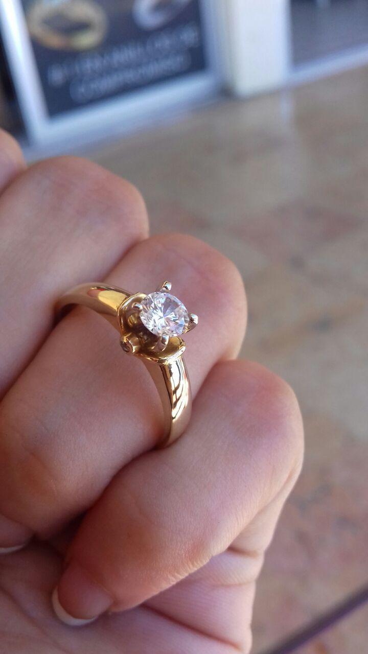 Anillo de compromiso en 14 k con Simulante de Diamante | Compromisos ...