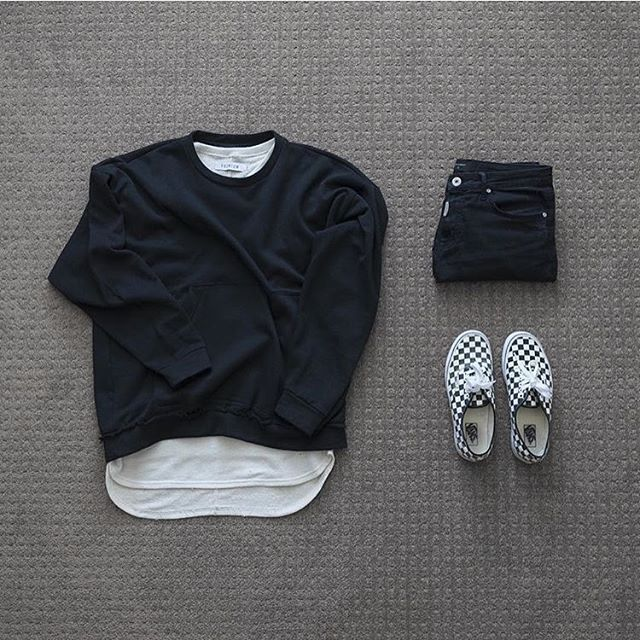 """OutfitOverTheWorld on Instagram: """"Outfit over the world . �: #representclo #sweatshirt & #premium t-shirt �: #representclothing jeans �: #vans . from @itswilso…"""""""