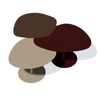 Une table basse qui a la forme de l'icone Mapado