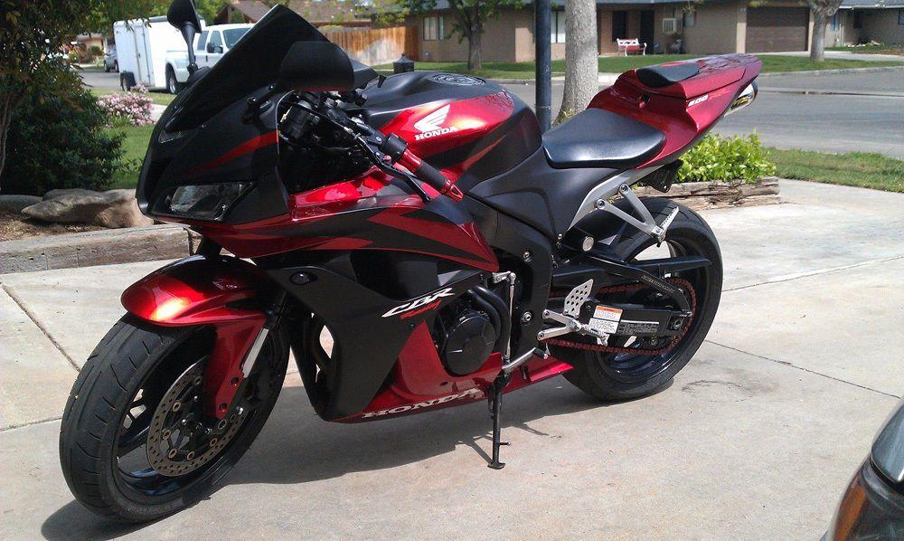 Yamaha Hs White India
