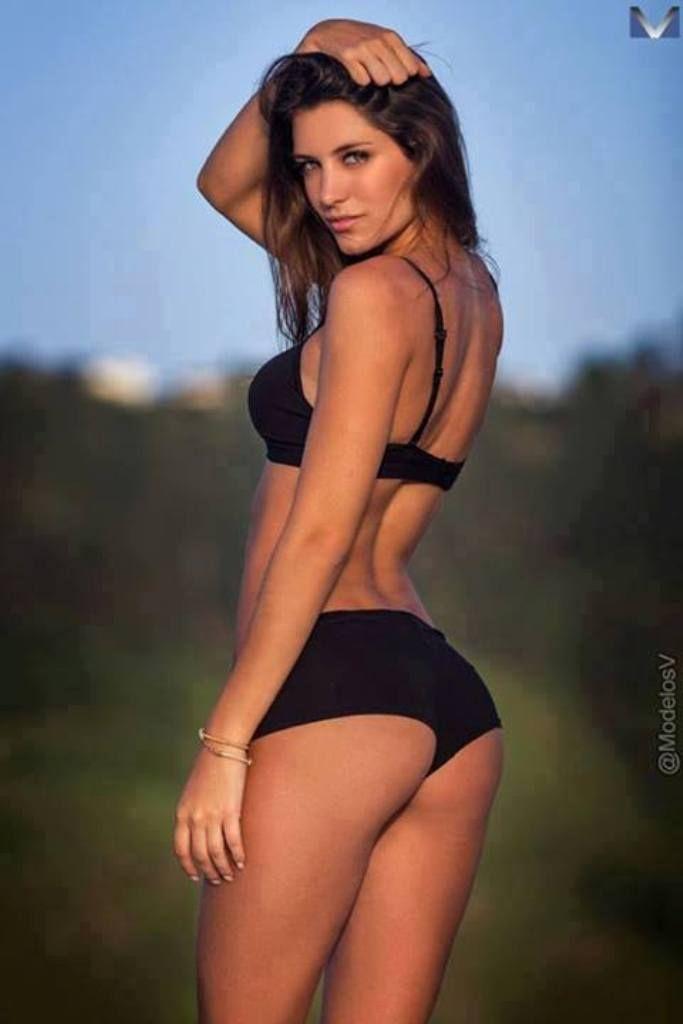 Paola Vargas Desideri Bikinis Enterizas Tangas Playa Pinterest El Futbol La Tema Y