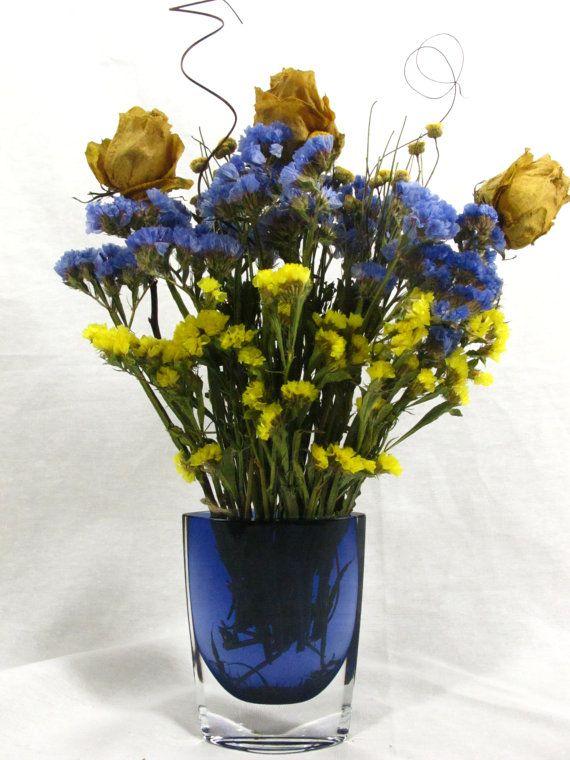 Dry Flower Bouquet In Decorative Deep Blue Vase Dried Flowers Dried Flower Arrangements Dried Flower Bouquet