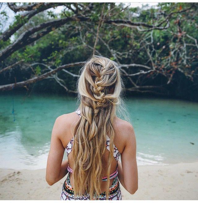 Cheveux long : .