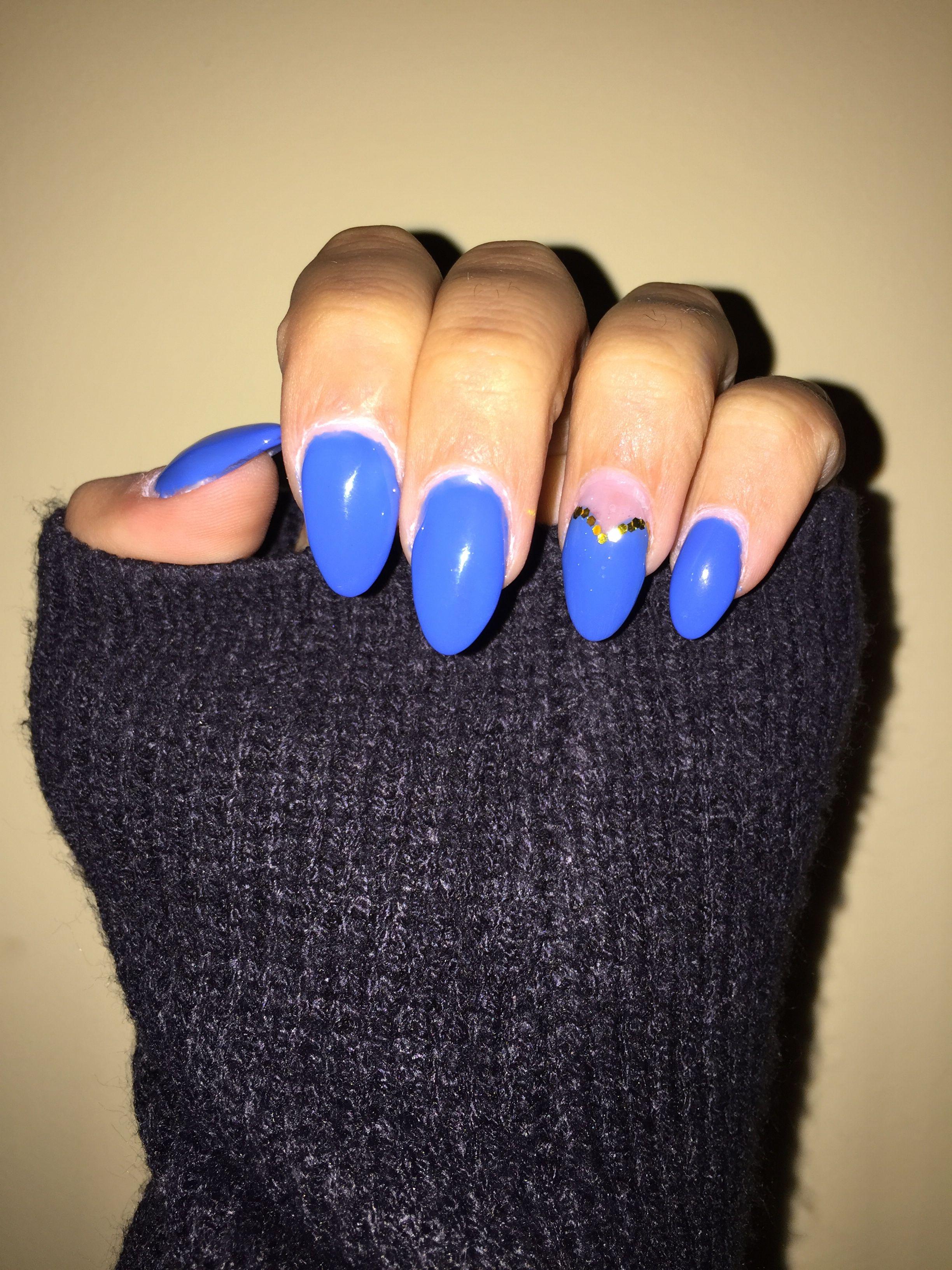 Blu elettrico unghie mandorla bluelettrico nails