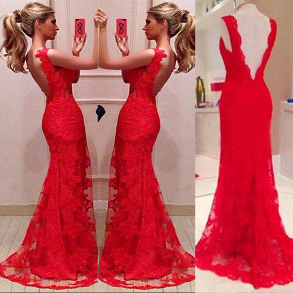Vestido rojo largo con espalda descubierta