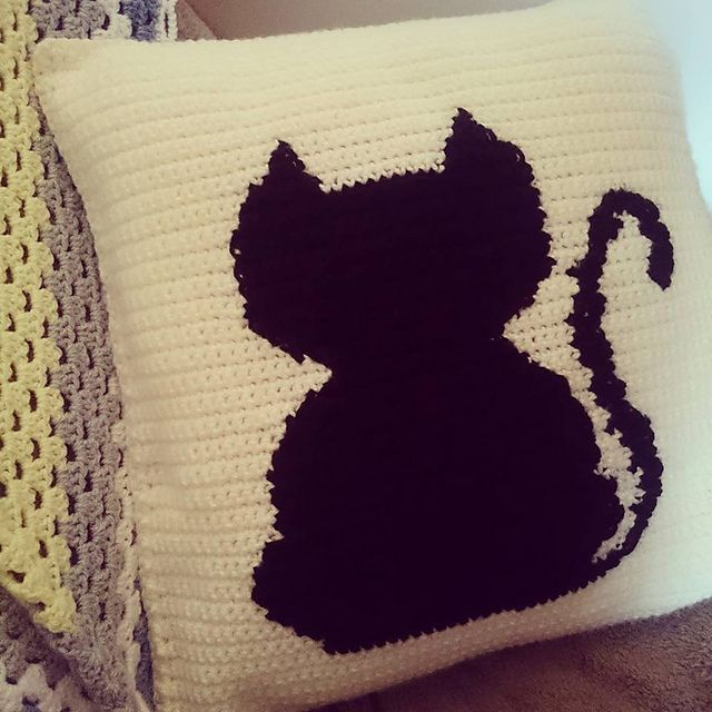 Ravelry: Black Cat Silhouette Cushion pattern by Alice Riley