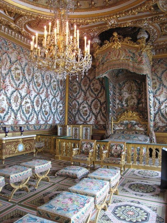 Chambre de la Reine Marie-Antoinette   Chateau de fontainebleau, Intérieurs  du château, Fontainebleau