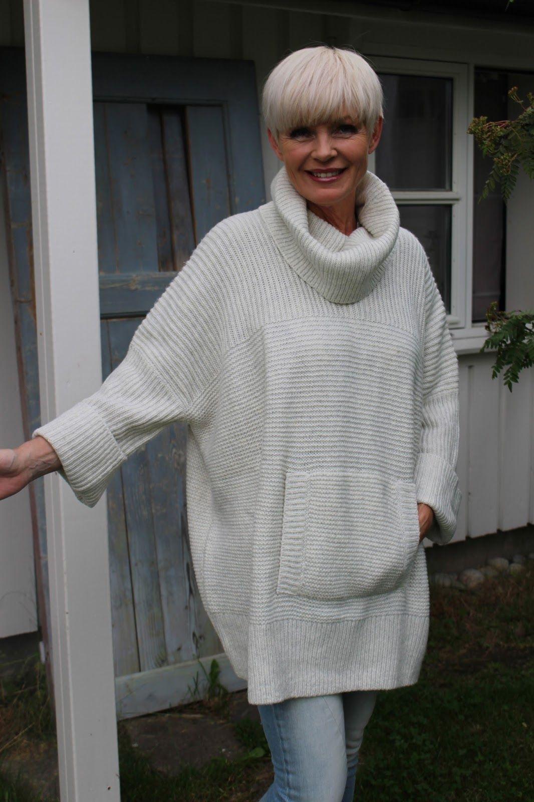 Nok en kald sommerkveld i Trøndelag, men hva gjør vel det når jeg krype inn i en stor, kul og varm strikkegenser. Denne nye genseren f… | Moteklær, Genser, Klær