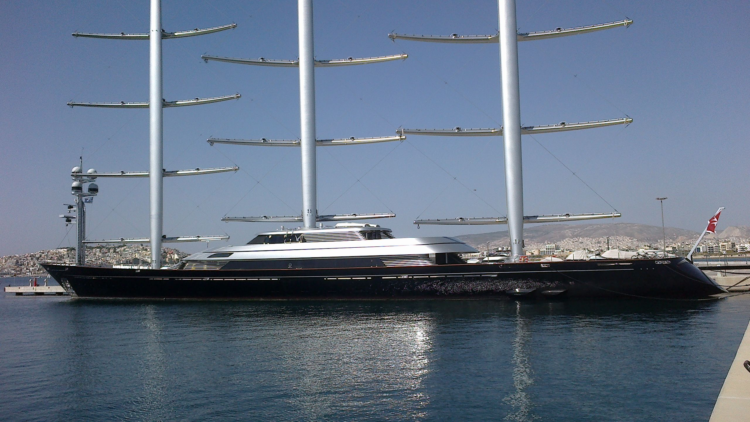 S Y Maltese Falcon Is Not A Classic Yacht She S A New Class Of Yacht Her Revolutionary Sailing System The Falcon Rig Sets A N Classic Yachts Sailing Boat
