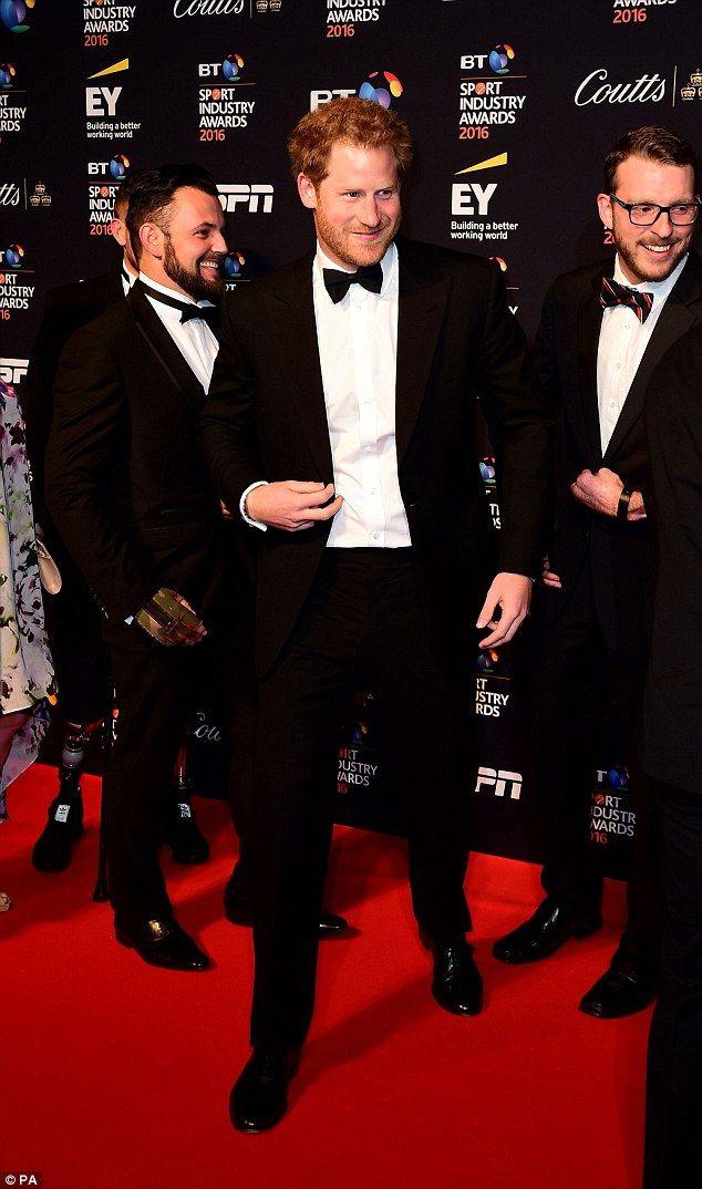Natalie Pinkham poses alongside Zoe Hardman at BT Sport Awards | Daily Mail Online
